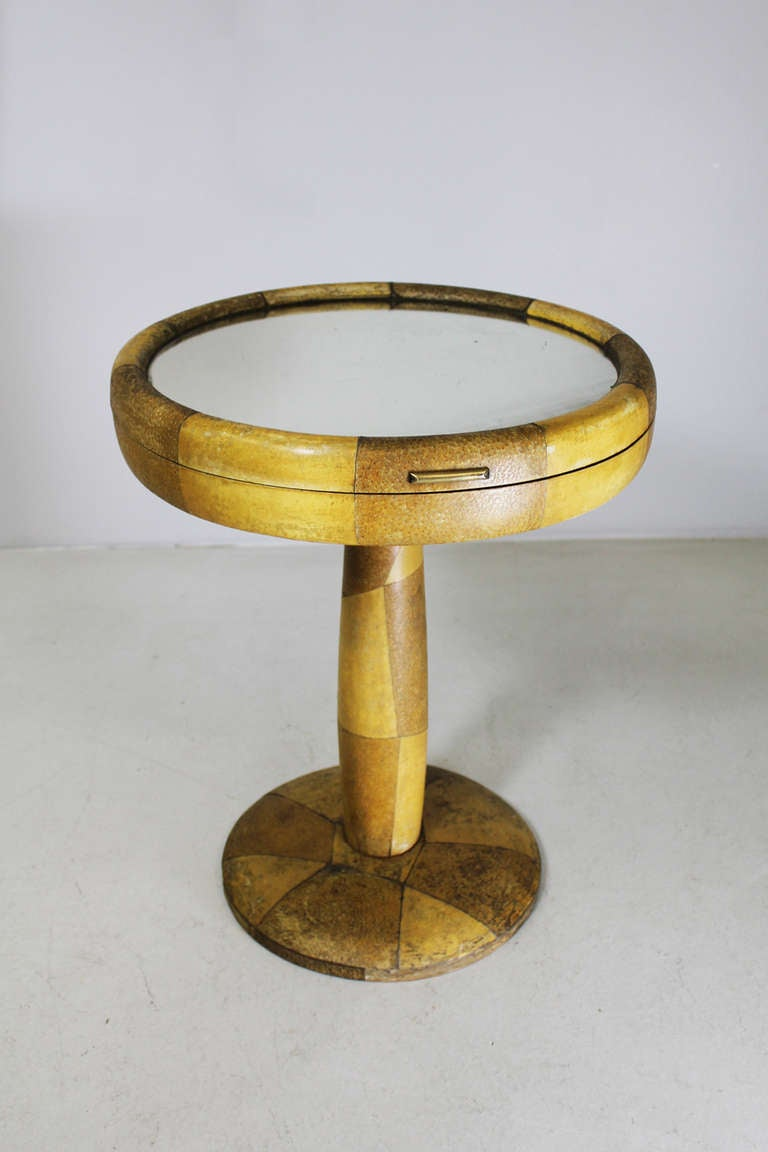 Mid-Century Modern Side Table by Osvaldo Borsani ca. 1940 For Sale