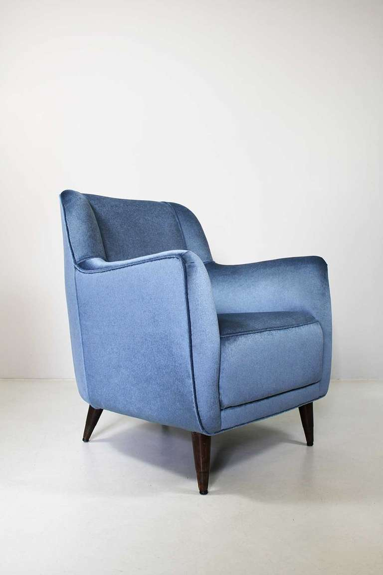 Mid-Century Modern Armchair by Gio Ponti, Cassina, circa 1945 For Sale