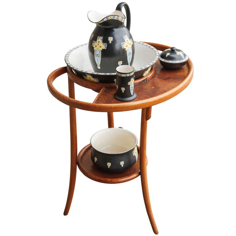 Thonet style bentwood table de toilette with five piece deco ceramic wash set at 1stdibs for Deco toilette