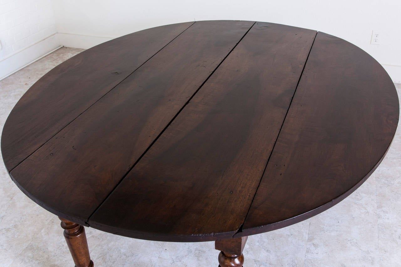 Antique French Oval Farm Table of Solid Walnut In Excellent Condition In Fayetteville, AR