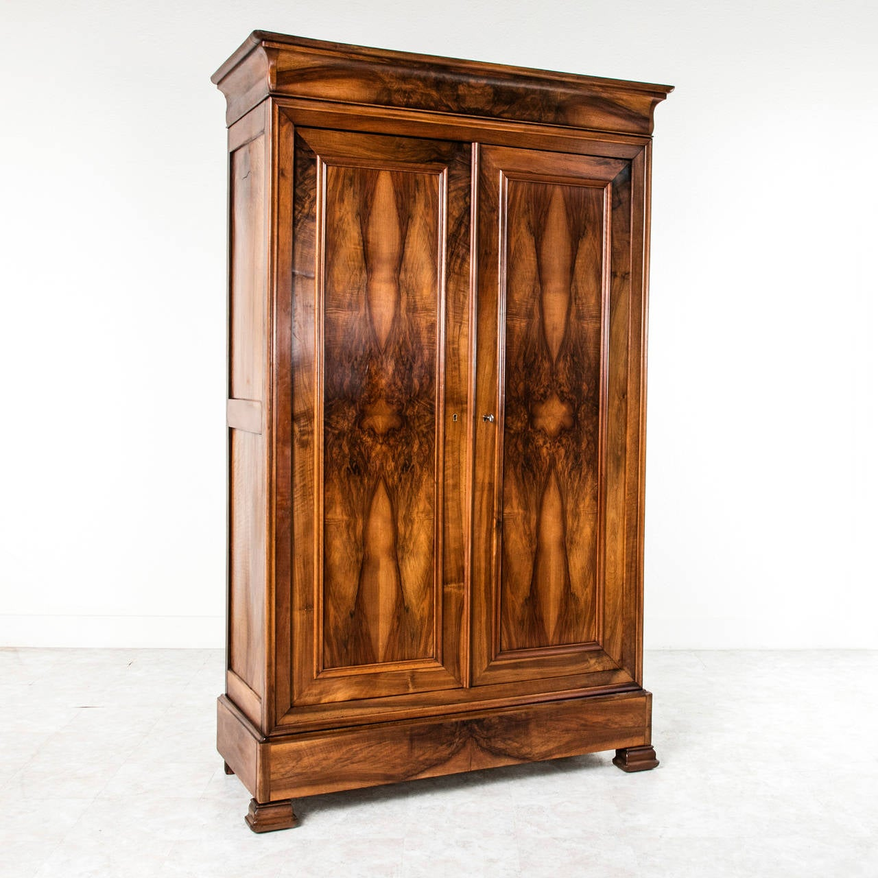bookmatched walnut antique french louis philippe style. Black Bedroom Furniture Sets. Home Design Ideas