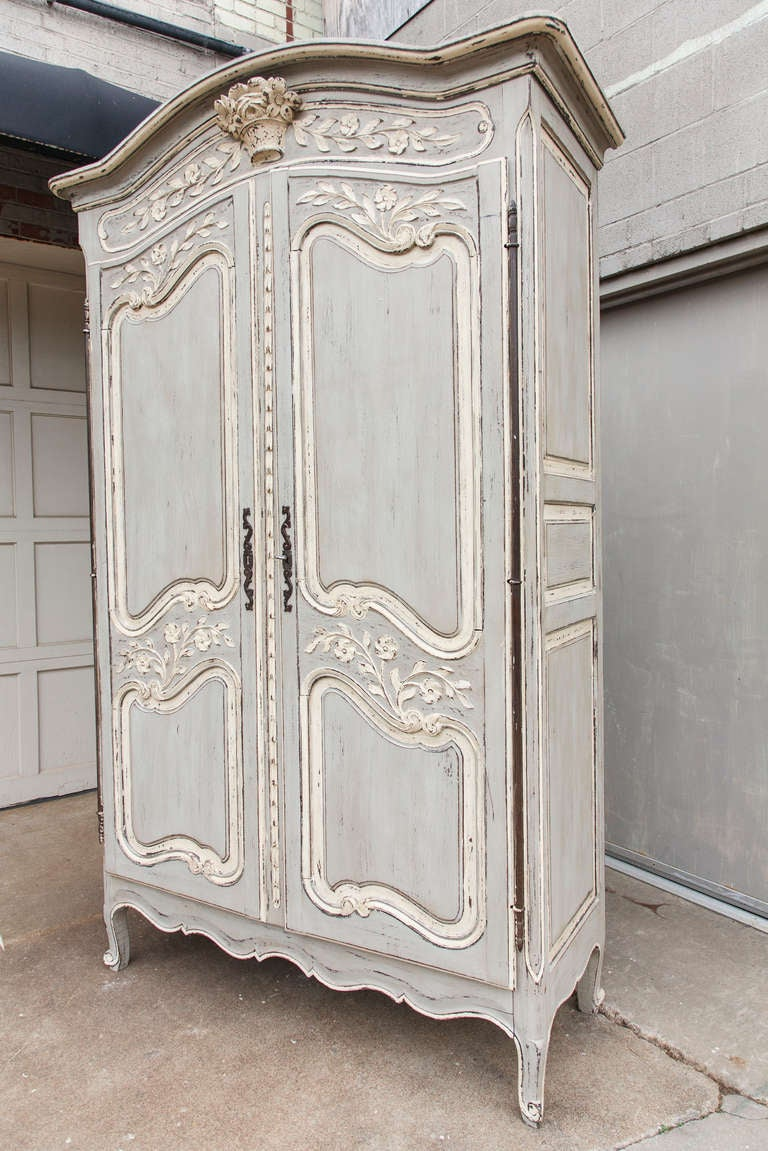 Painted Louis XV Armoire In Excellent Condition For Sale In Fayetteville, AR