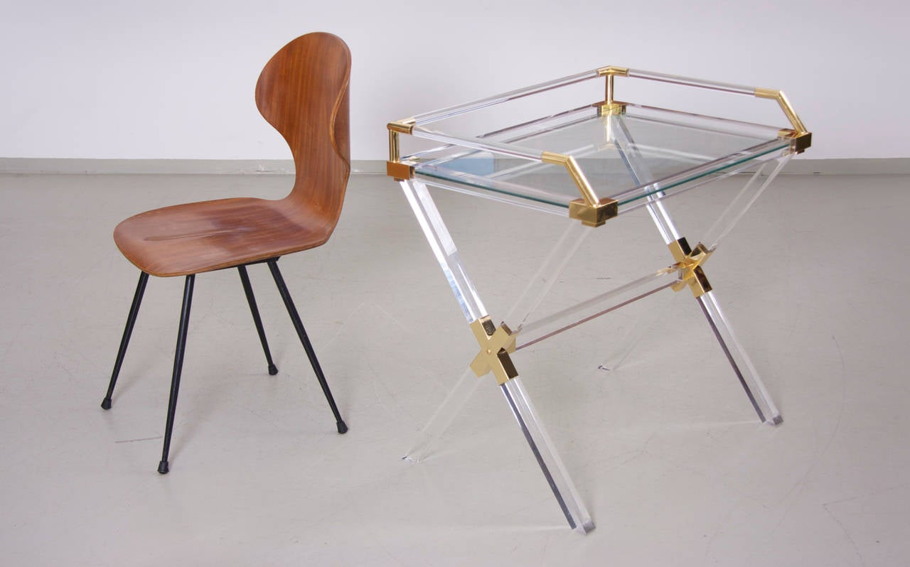 Large Charles Hollis Jones Lucite and Brass Bar Table In Excellent Condition For Sale In Berlin, DE