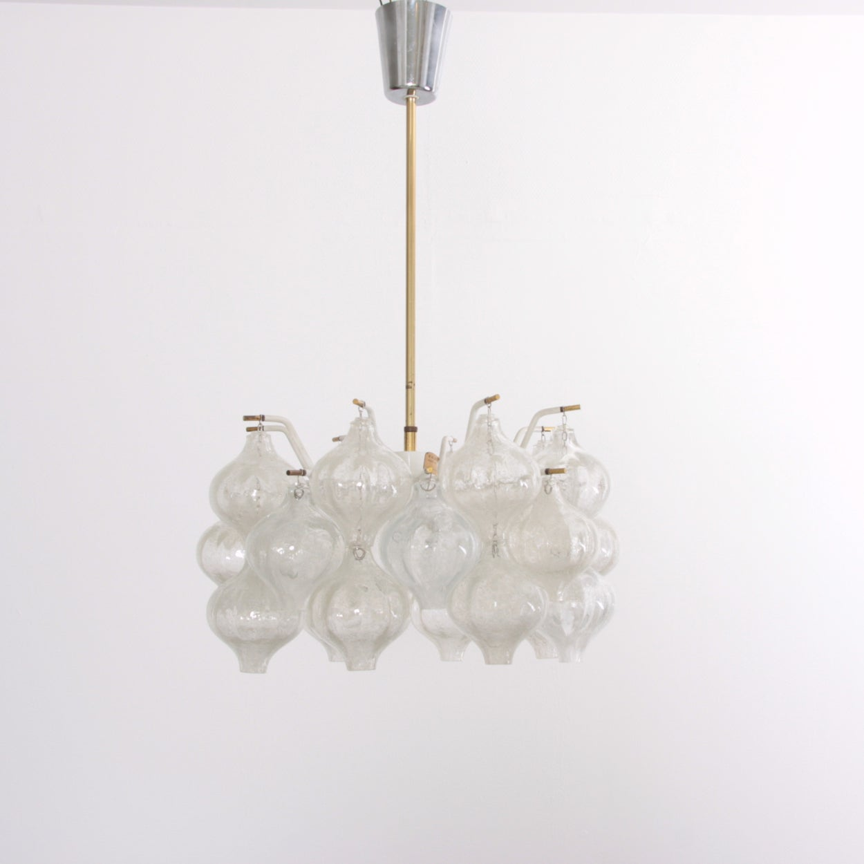 Beautiful Kalmar Tulipan chandelier in excellent condition. Dimensions: Height of glass part is 24 cm / 9.5 inch.