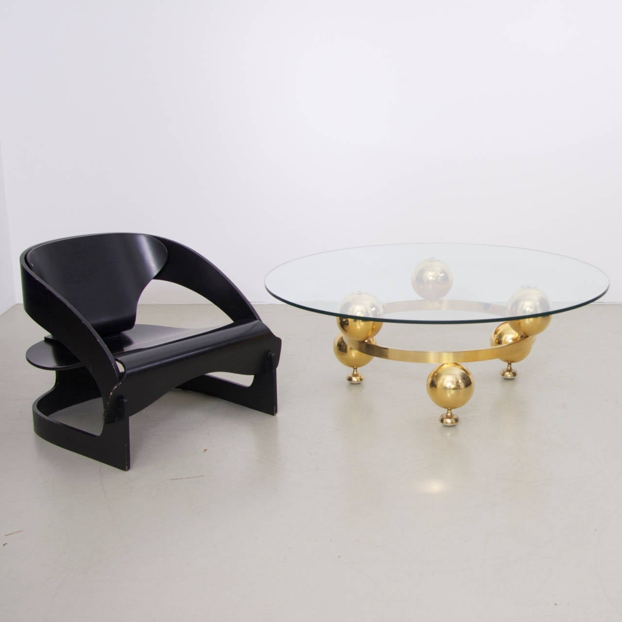 Round Brass Sputnik Coffee Table With Glass Top For Sale