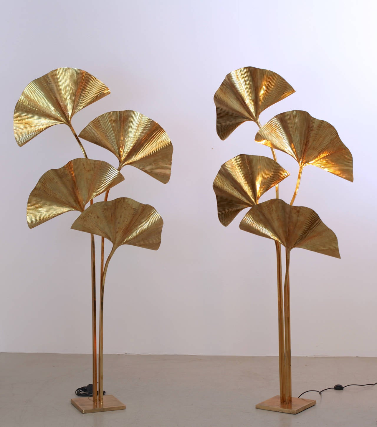 Huge Four Ginkgo Leaf Brass Floor Lamp by Tommaso Barbi For Sale ...