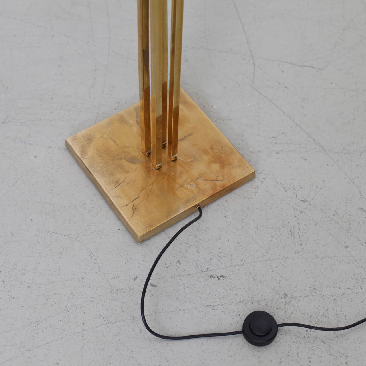 Late 20th Century Huge Four Ginkgo Leaf Brass Floor Lamp by Tommaso Barbi