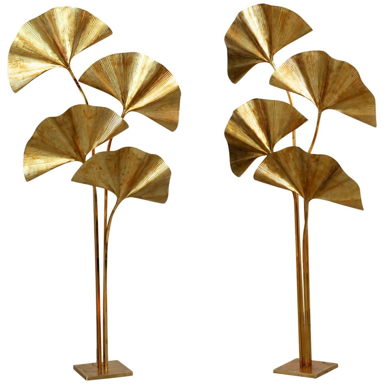 Huge Four Ginkgo Leaf Brass Floor Lamp by Tommaso Barbi 1 - Huge Four Ginkgo Leaf Brass Floor Lamp By Tommaso Barbi For Sale
