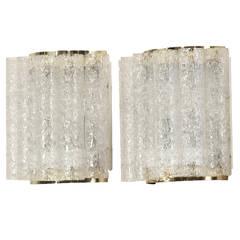 Wundervolles Paar Doria Wandlampen aus Messing und Glas