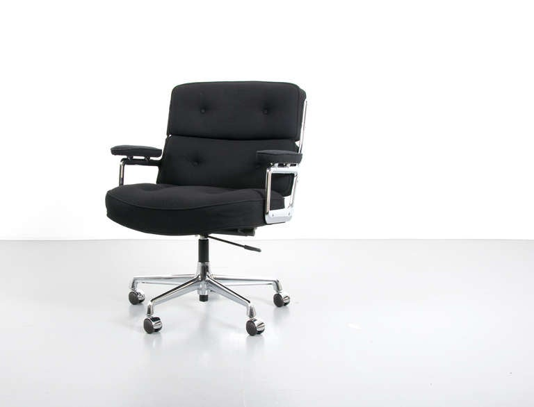 Charles And Ray Eames Time Life Lobby Chair ES 105 At 1stdibs