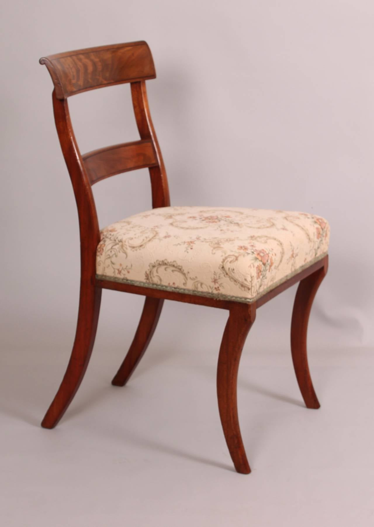 Set of fourteen fine quality mahogany early 19th century for Quality dining room furniture
