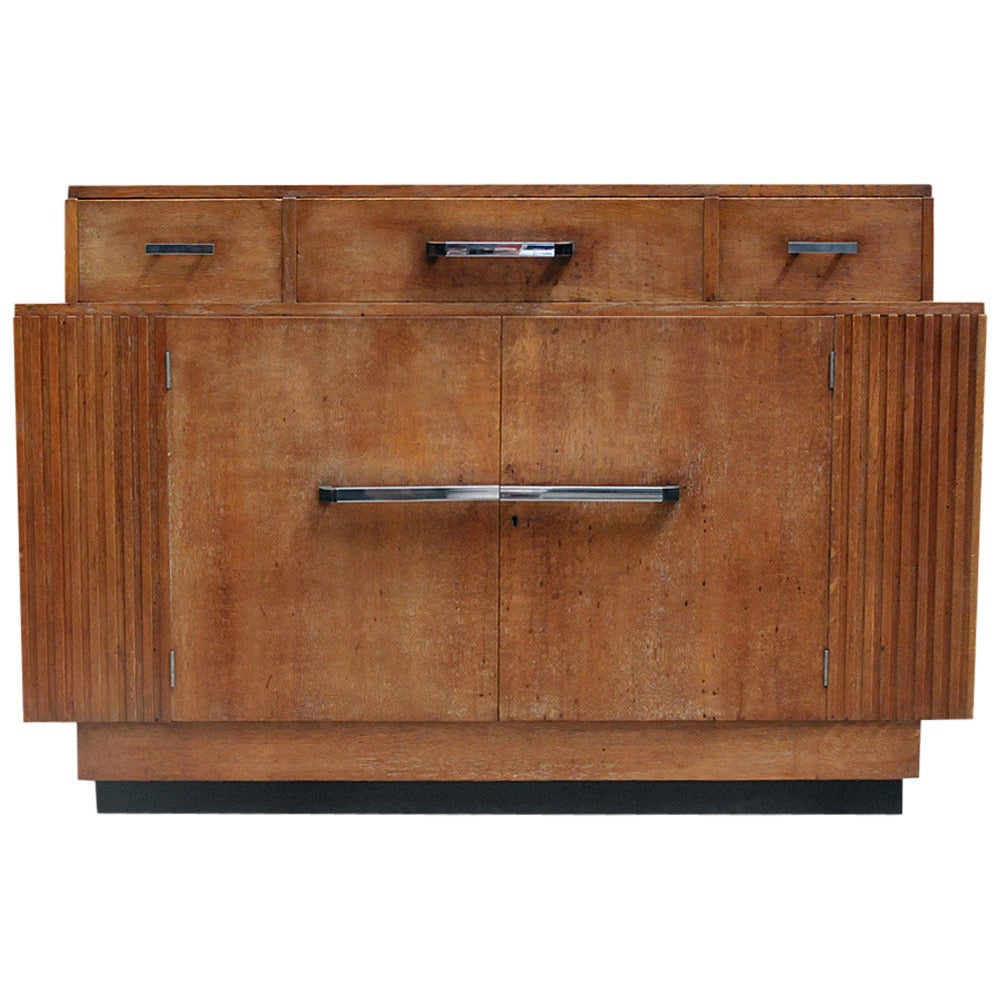 oak art deco sideboard at 1stdibs. Black Bedroom Furniture Sets. Home Design Ideas
