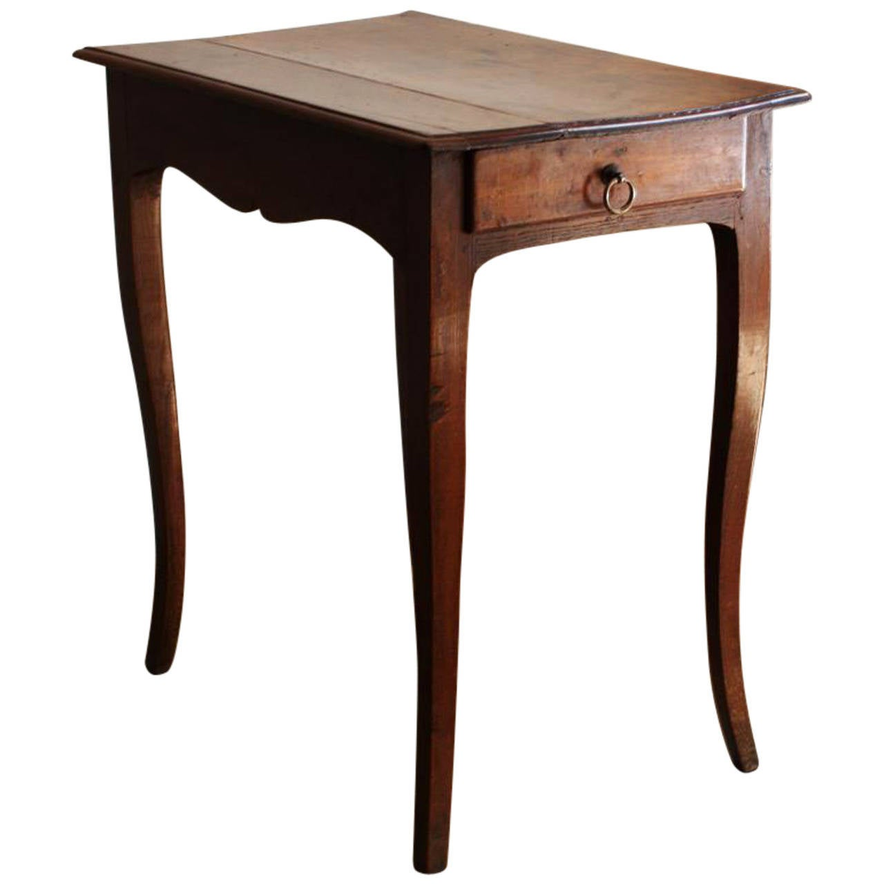 Great Louis XV Style Small Walnut Side Table With Curved Legs, 18th Century 1
