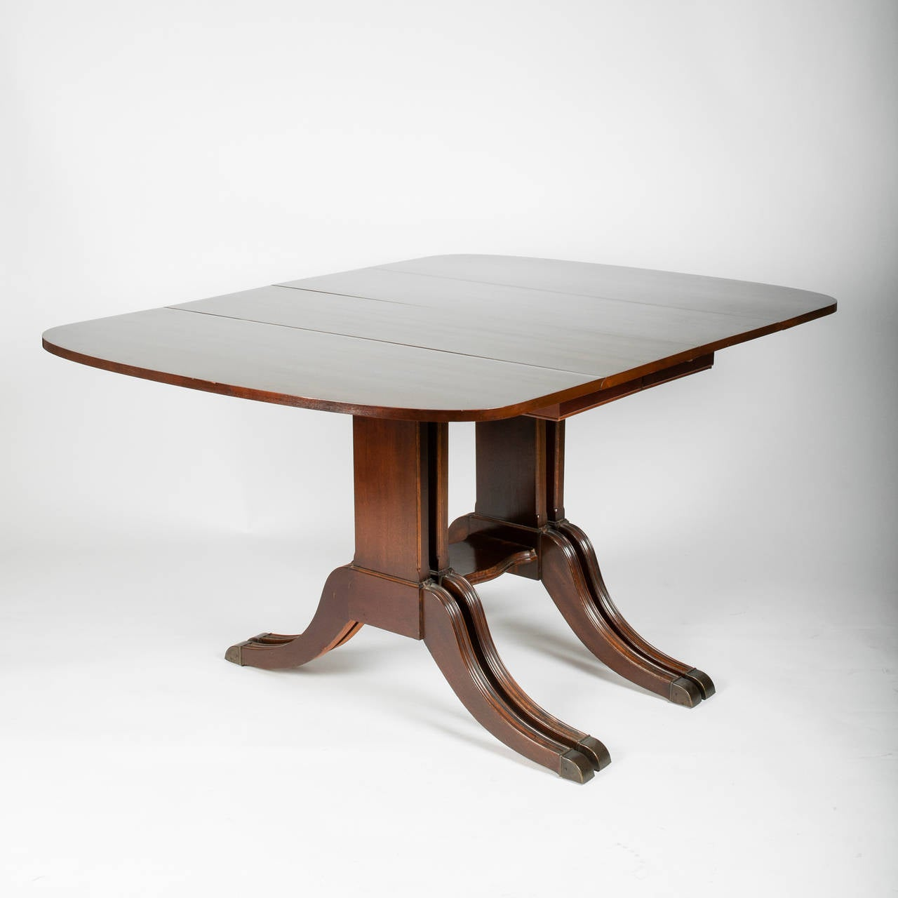 Duncan Phyfe Style Drop Leaf Extension Table For Sale at 1stdibs