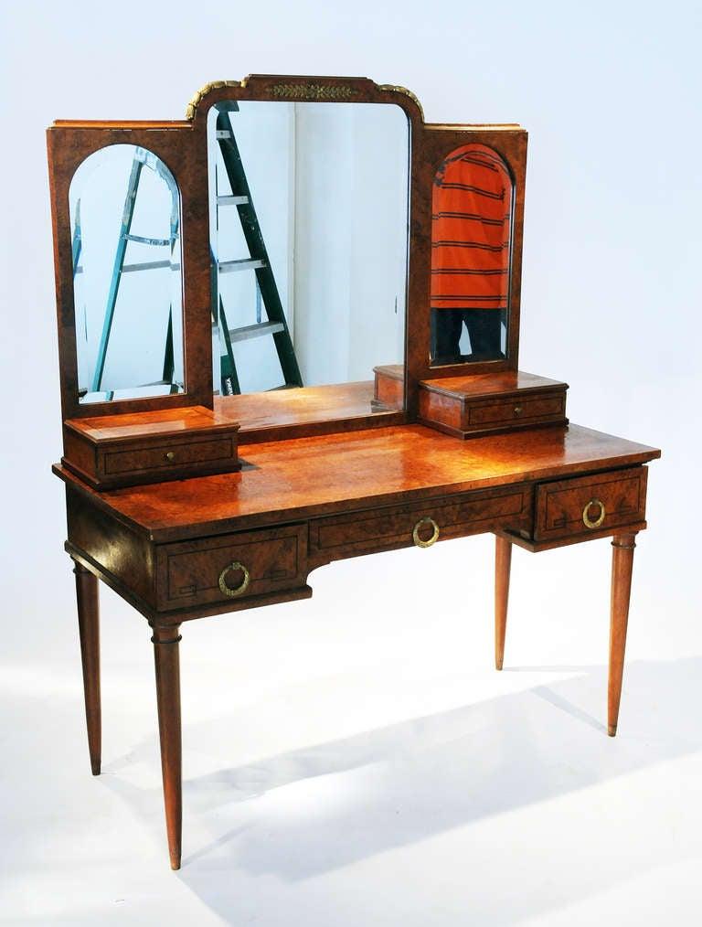 Vintage Mirrored Vanity 112