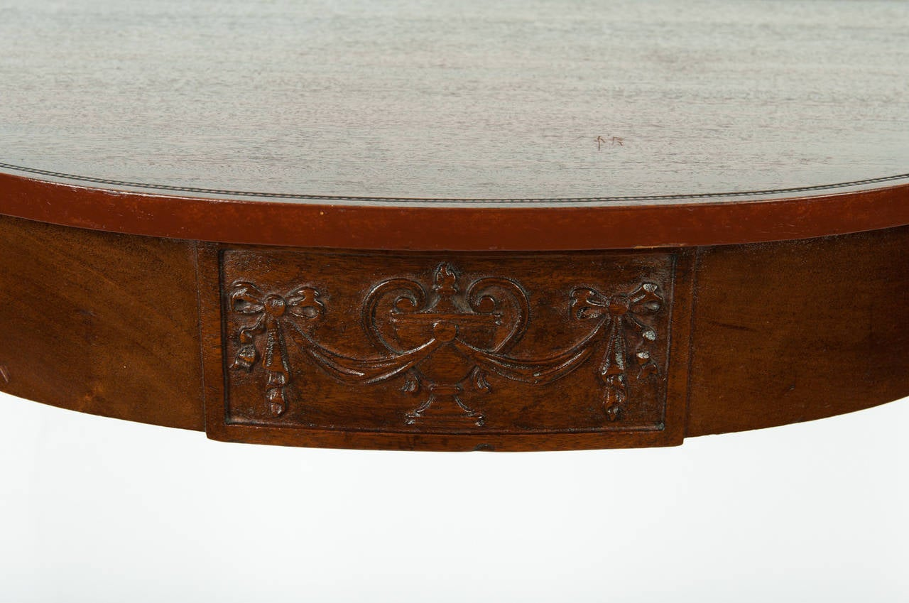 Vintage european demi lune table for sale at 1stdibs for Baignoire demi lune