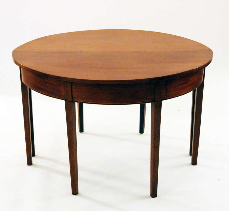 Vintage Walnut Dining Table at 1stdibs : walnutdiningtable7l from www.1stdibs.com size 768 x 705 jpeg 34kB