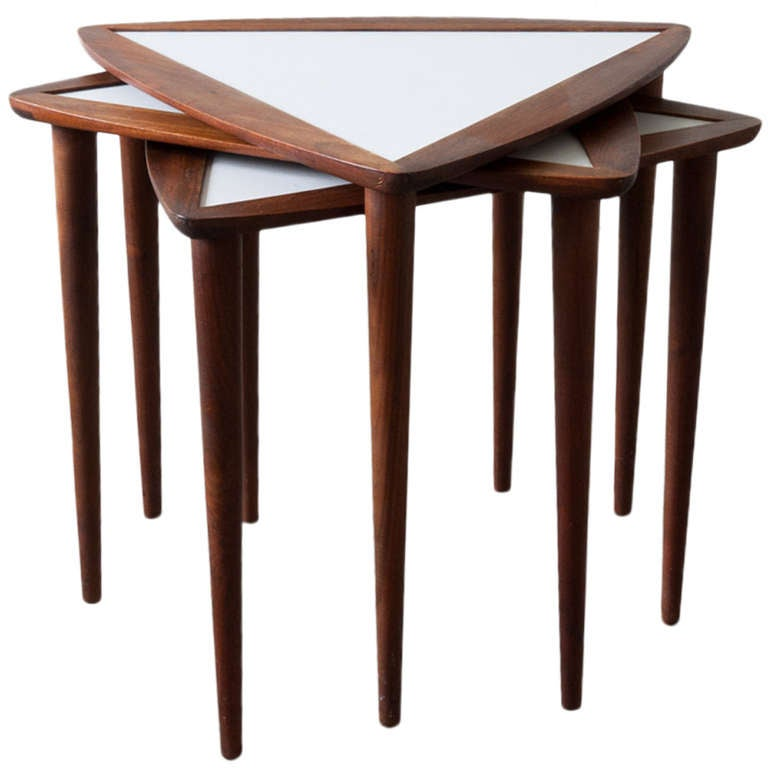 Delicieux Arthur Umanoff Triangular Stacking Tables For Sale