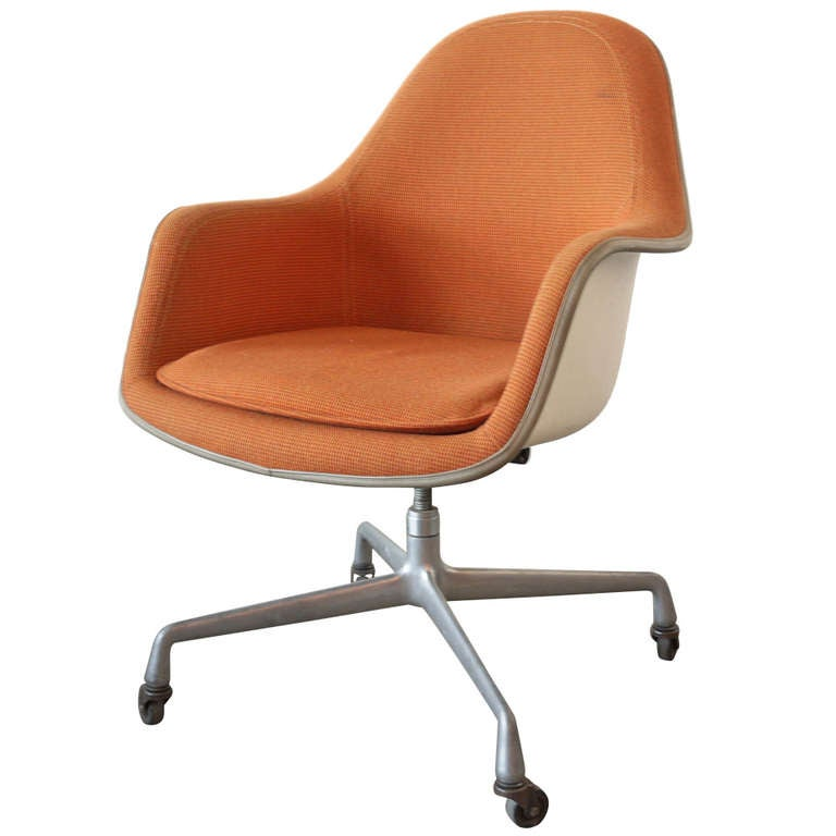 eames aluminum group office chair at 1stdibs. Black Bedroom Furniture Sets. Home Design Ideas