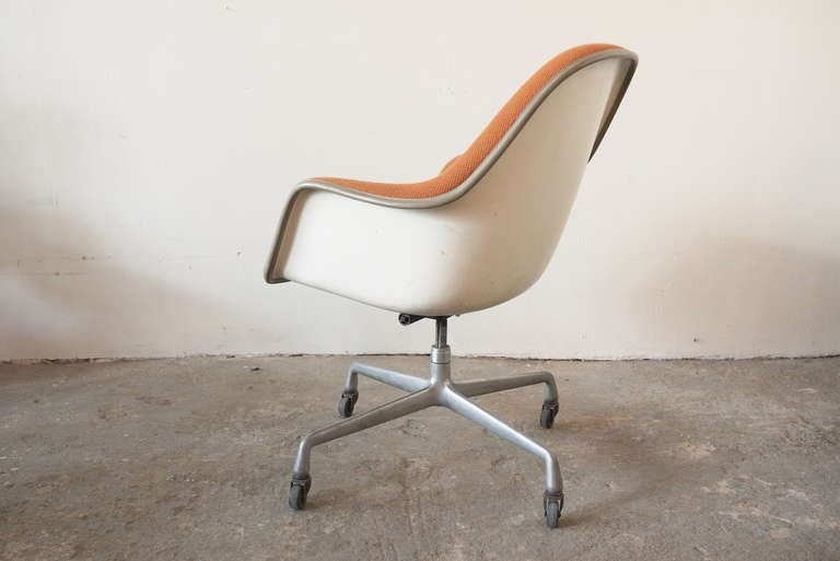 eames aluminum group office chair at 1stdibs