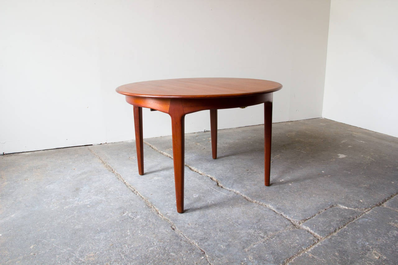 Henning kjaernulf extension table at 1stdibs for Table 52 art smith