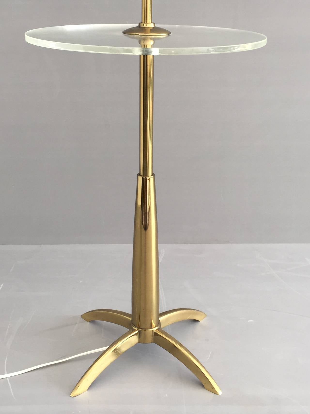 brass and acrylic floor lamp end table for sale at 1stdibs. Black Bedroom Furniture Sets. Home Design Ideas