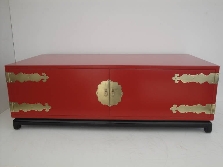 American Hollywood Regency Red Lacquered and Brass Coffee Table or Cabinet For Sale