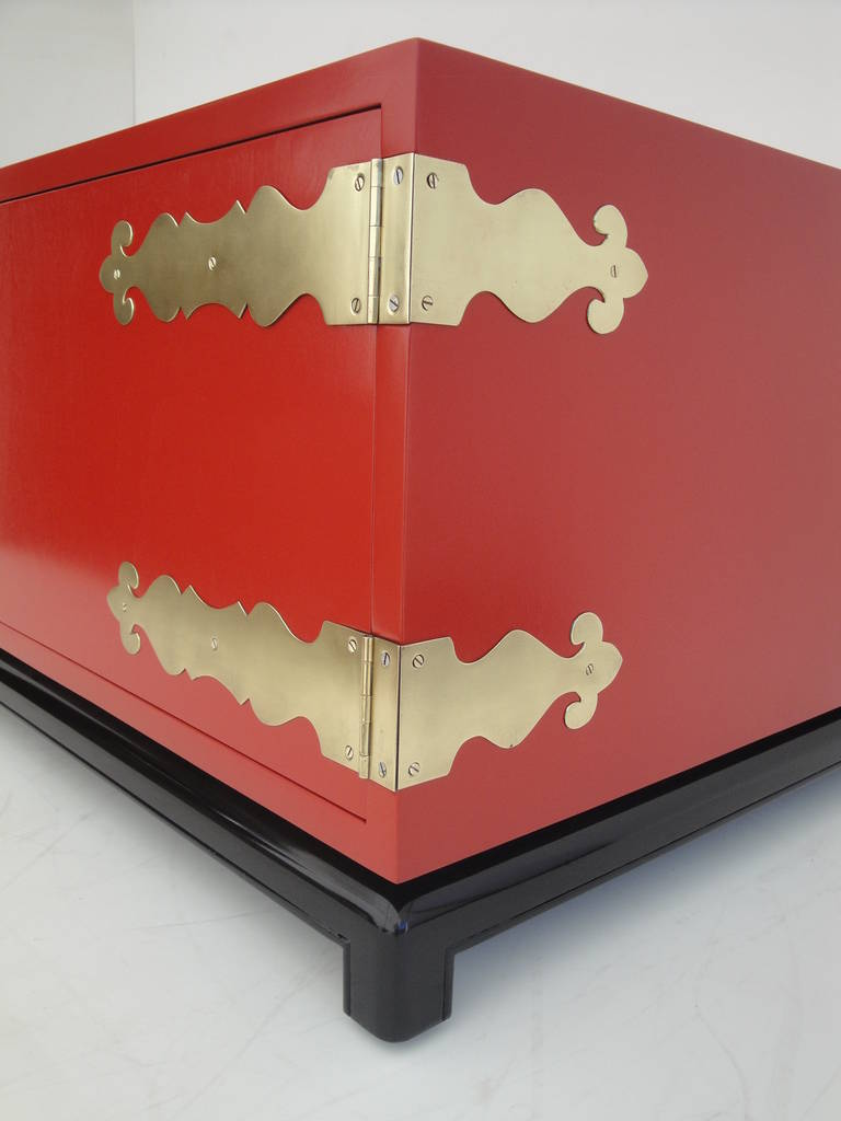 Hollywood Regency Red Lacquered and Brass Coffee Table or Cabinet For Sale 1