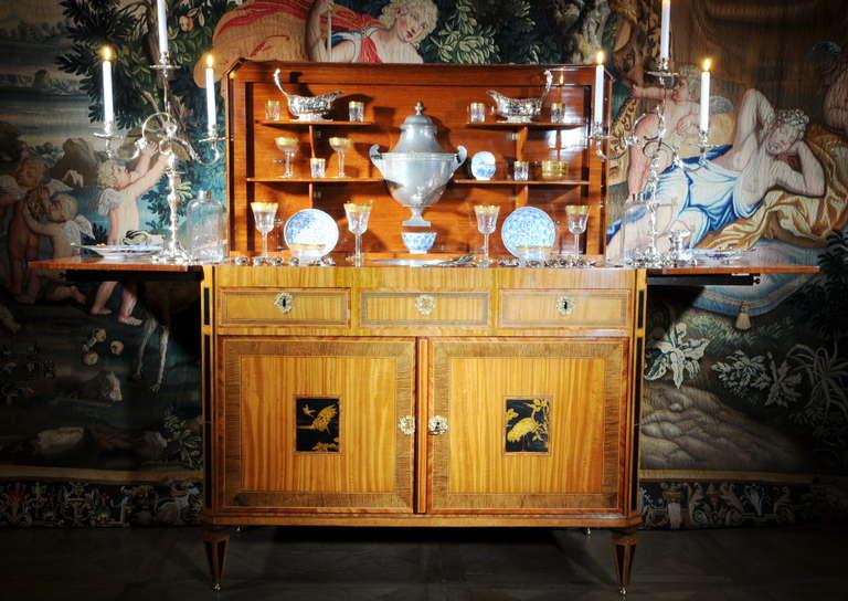 "A fine Dutch Louis XVI sideboard or ""klapbuffet"" For Sale 3"