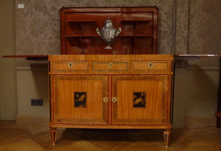 "A fine Dutch Louis XVI sideboard or ""klapbuffet"" 2"