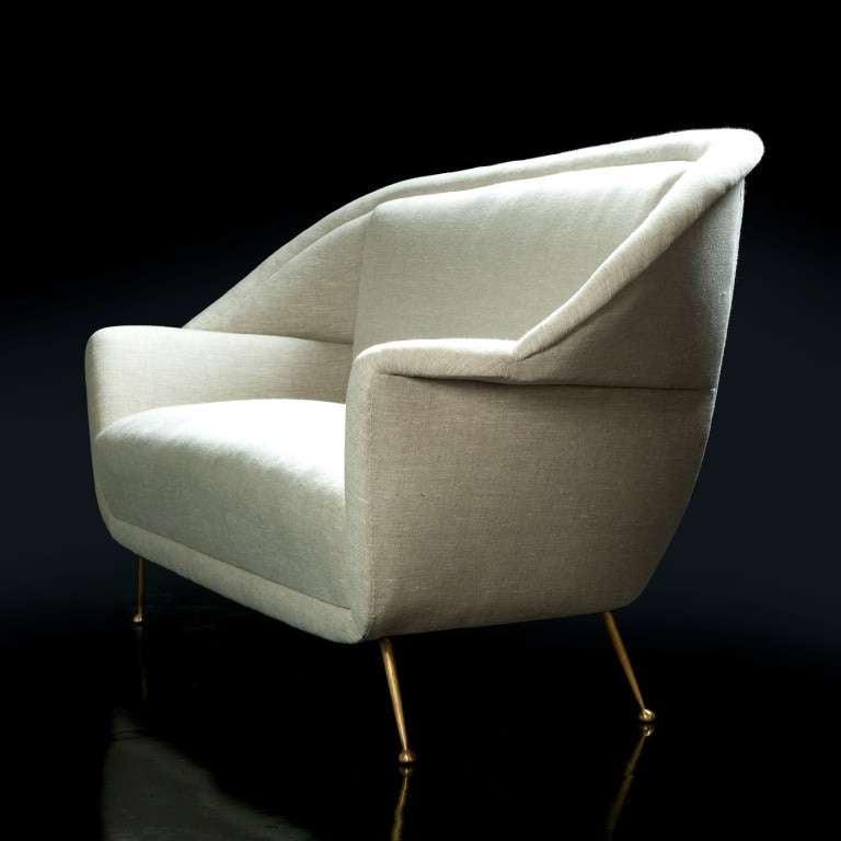 Elegant Italian Sofa For Sale at 1stdibs