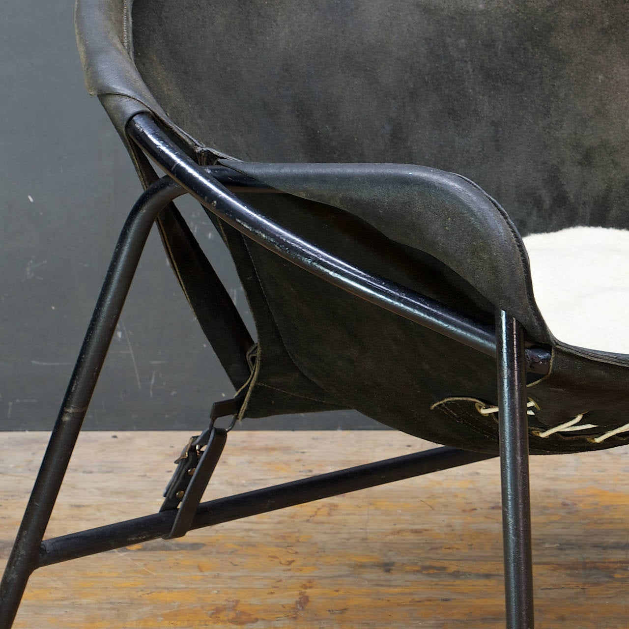 Mid-Century Danish Erik Jorgensen Suede Leather Sling Chair by Bovirke Denmark In Fair Condition For Sale In Washington, DC