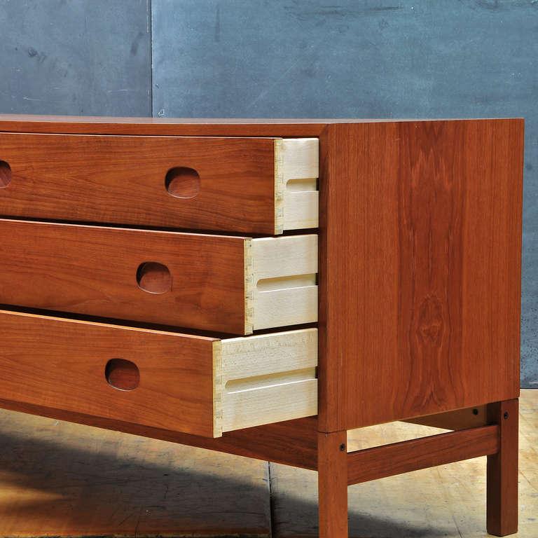 1950 39 s vitre 39 danish mid century modern long teak bedroom dresser at 1stdibs for Danish teak bedroom furniture