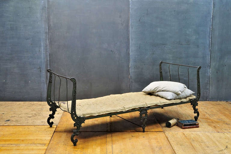 American Victorian Cast Iron Ornate Campaign Daybed Sofa Chaise For Sale