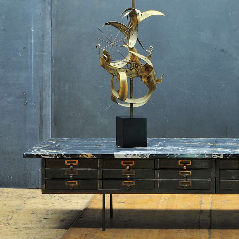 Vault Chest Table With Palmaria Island Black And Gold