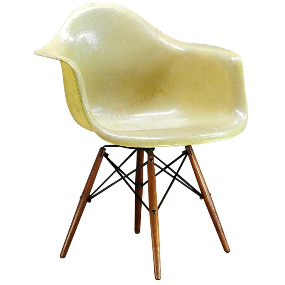 Eames PAW Chair