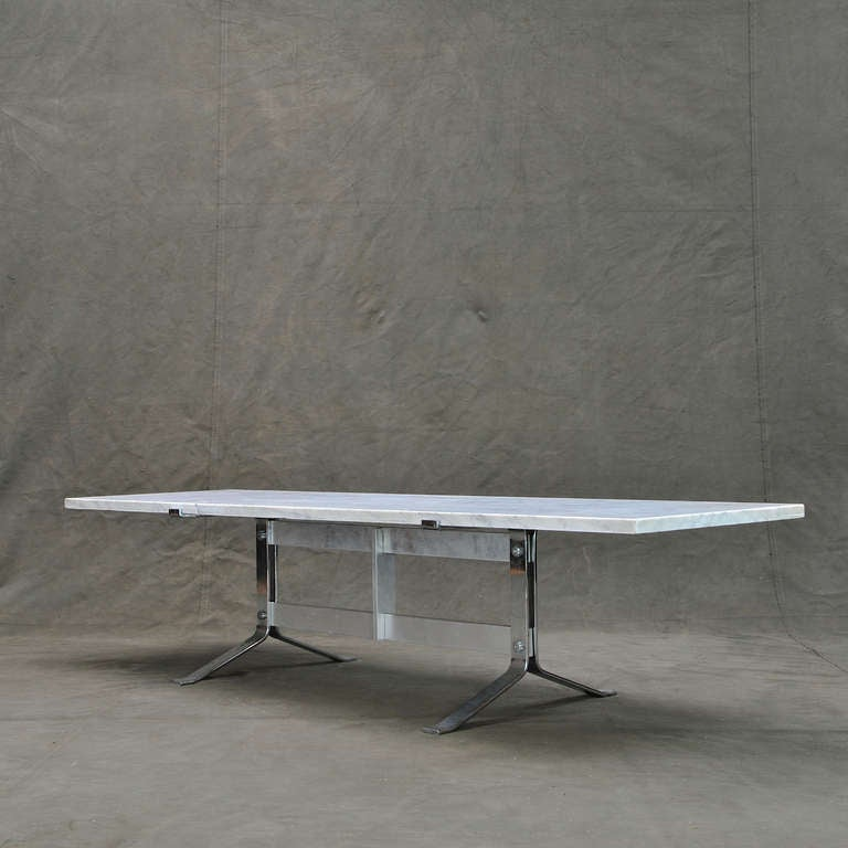 Carrera marble set low on chrome and aluminum coffee table for Table carrera