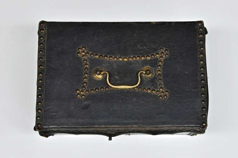 Old antique early 19th century federal period leather document box by Robert burr, with brass handle and brass tack detailings, USA, circa 1810s. Leather is good not too dry. This box was found full of letters from 1790 to 1837, belonged to an old