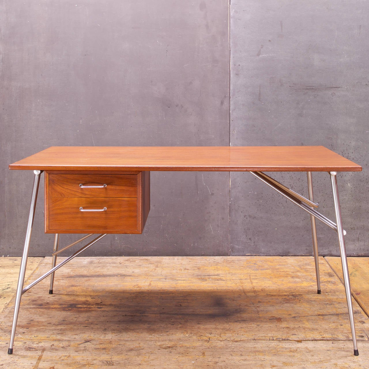 Rare and Iconic Danish Modern design by Borge Mogensen for Soborg Mobelfabrik of Denmark.  Beautiful Condition, Original Finish.