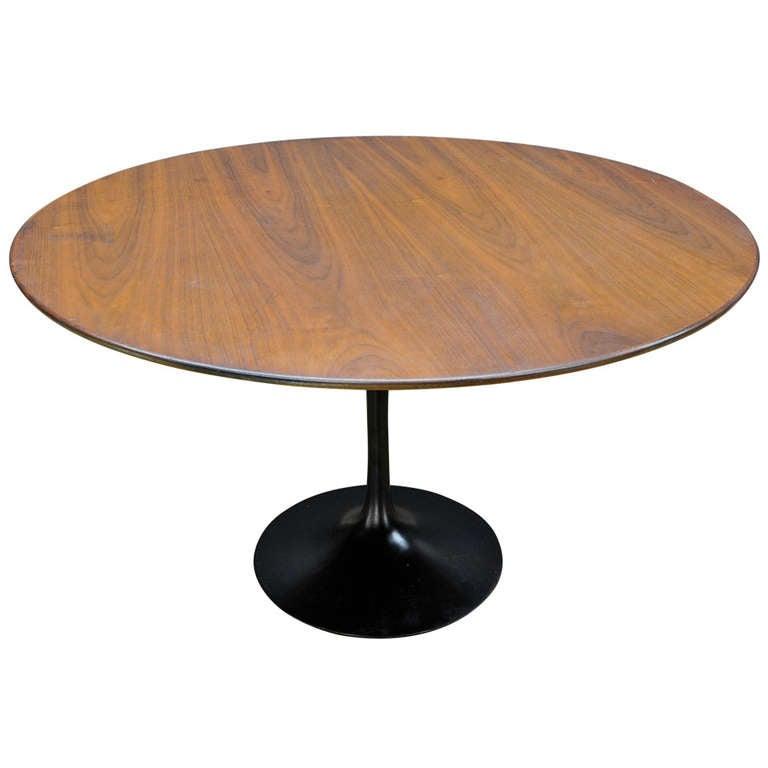 Cabin Modern Walnut Black Tulip Dining Table at 1stdibs : 950870l from www.1stdibs.com size 768 x 768 jpeg 26kB