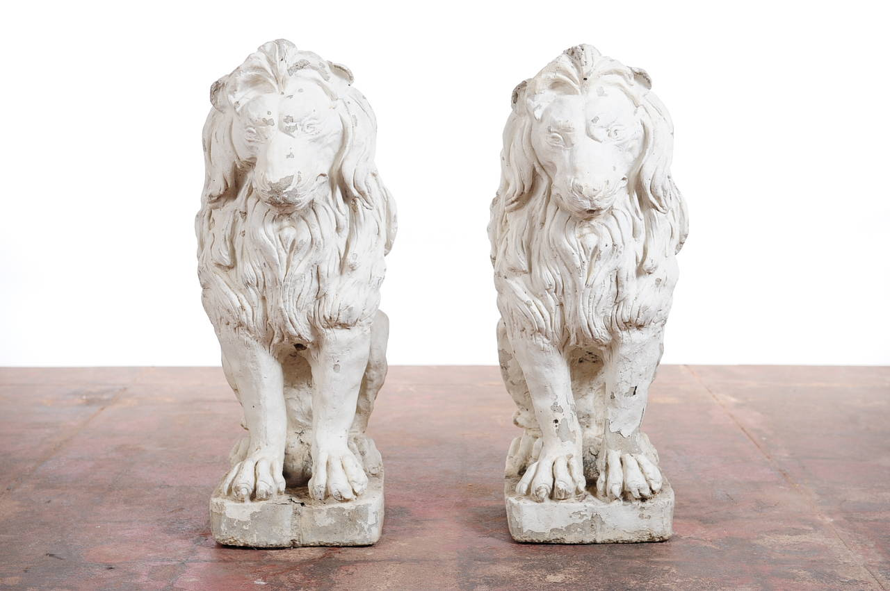 A Pair Of 19th Century Italian Baroque Outdoor Concrete Lion Sculptures 2