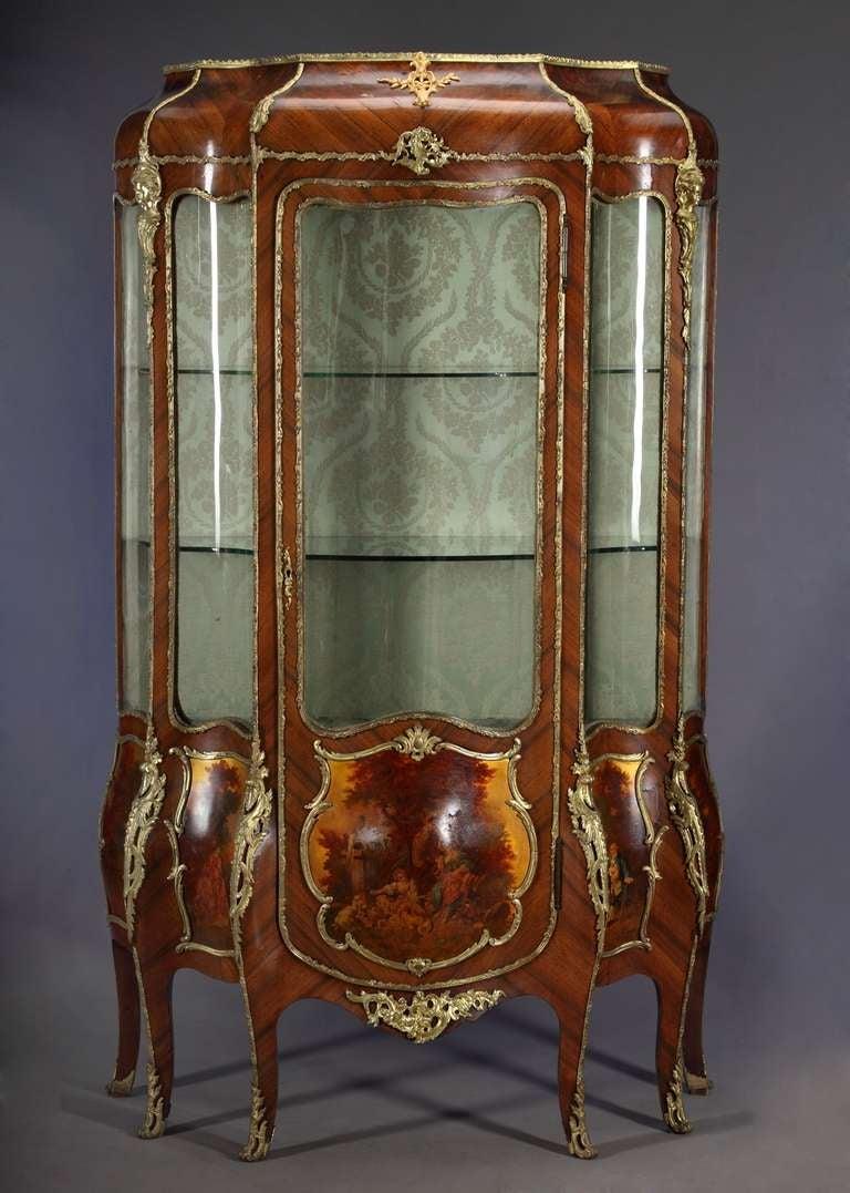 antique french vernis martin bombe vitrine at 1stdibs. Black Bedroom Furniture Sets. Home Design Ideas