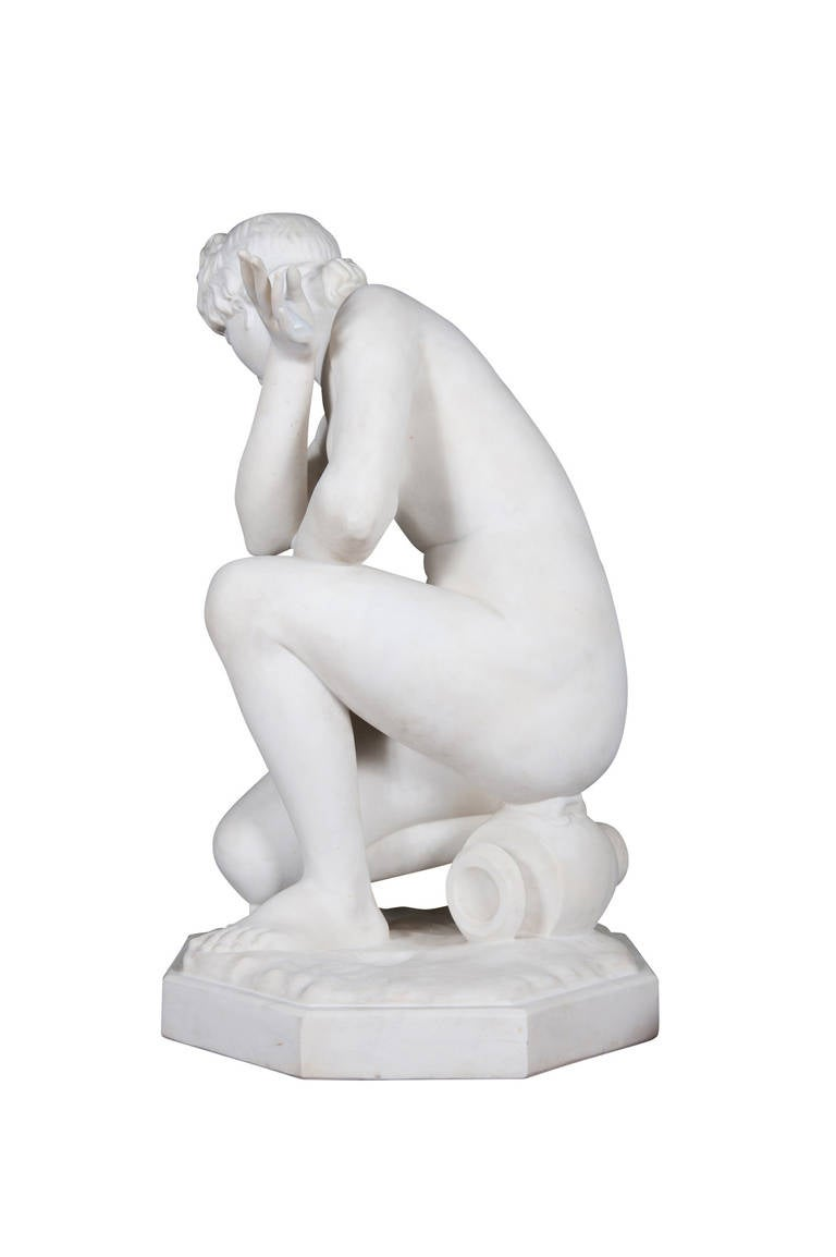 19th Century Marble Figure of 'the Crouching Venus' on Pedestal For Sale 4