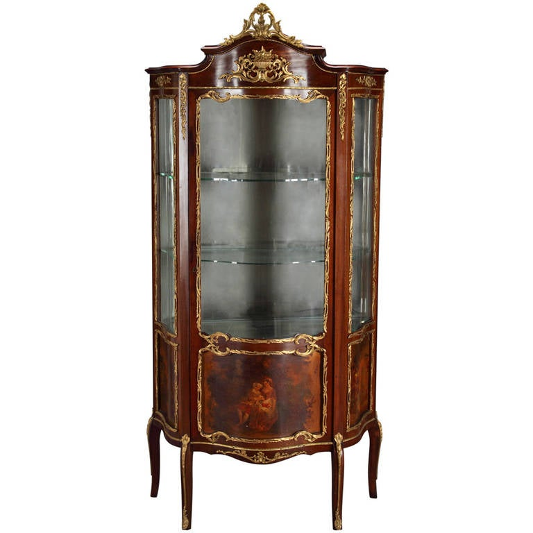 a french louis xv style ormolu gilt bronze mounted remy martin vitrine for sale at 1stdibs. Black Bedroom Furniture Sets. Home Design Ideas