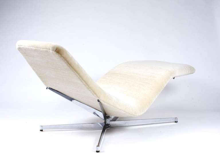 Pierre Guariche Chaise Lounge Quot Vall 233 E Blanche Quot At 1stdibs