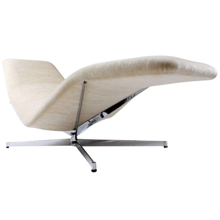 Pierre guariche chaise lounge vall e blanche at 1stdibs - Chaise pvc blanche ...