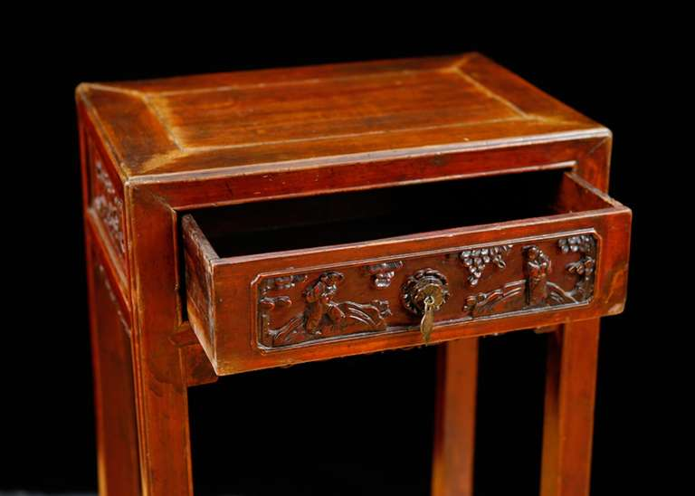 Qing Table in Elm with Original Cinnabar Lacquer, China, circa 1790 In Good Condition For Sale In Miami, FL