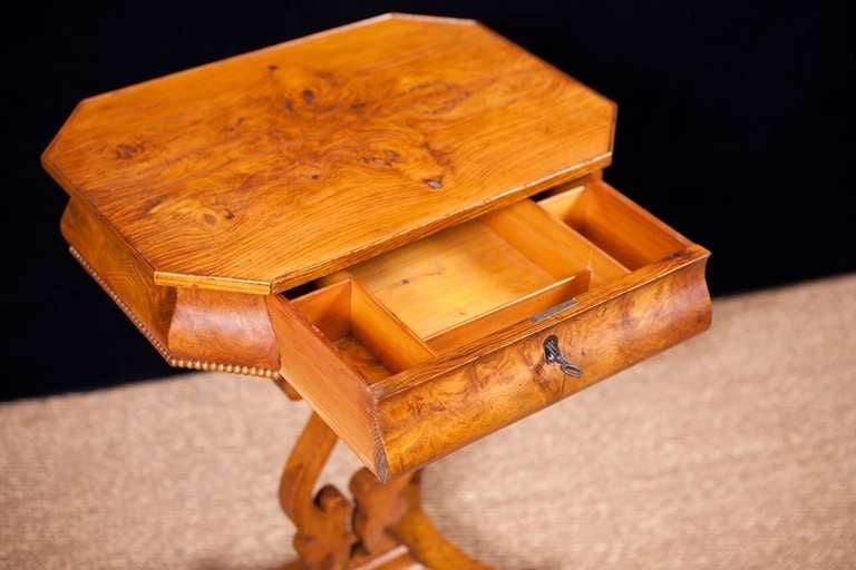 Karl Johan, Biedermeier Side Table, Sweden, circa 1830 For Sale 1