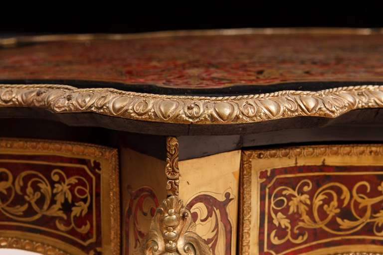 19th Century French Napoleon III Boulle Center Table in Tortoise Shell and Brass Inlay For Sale