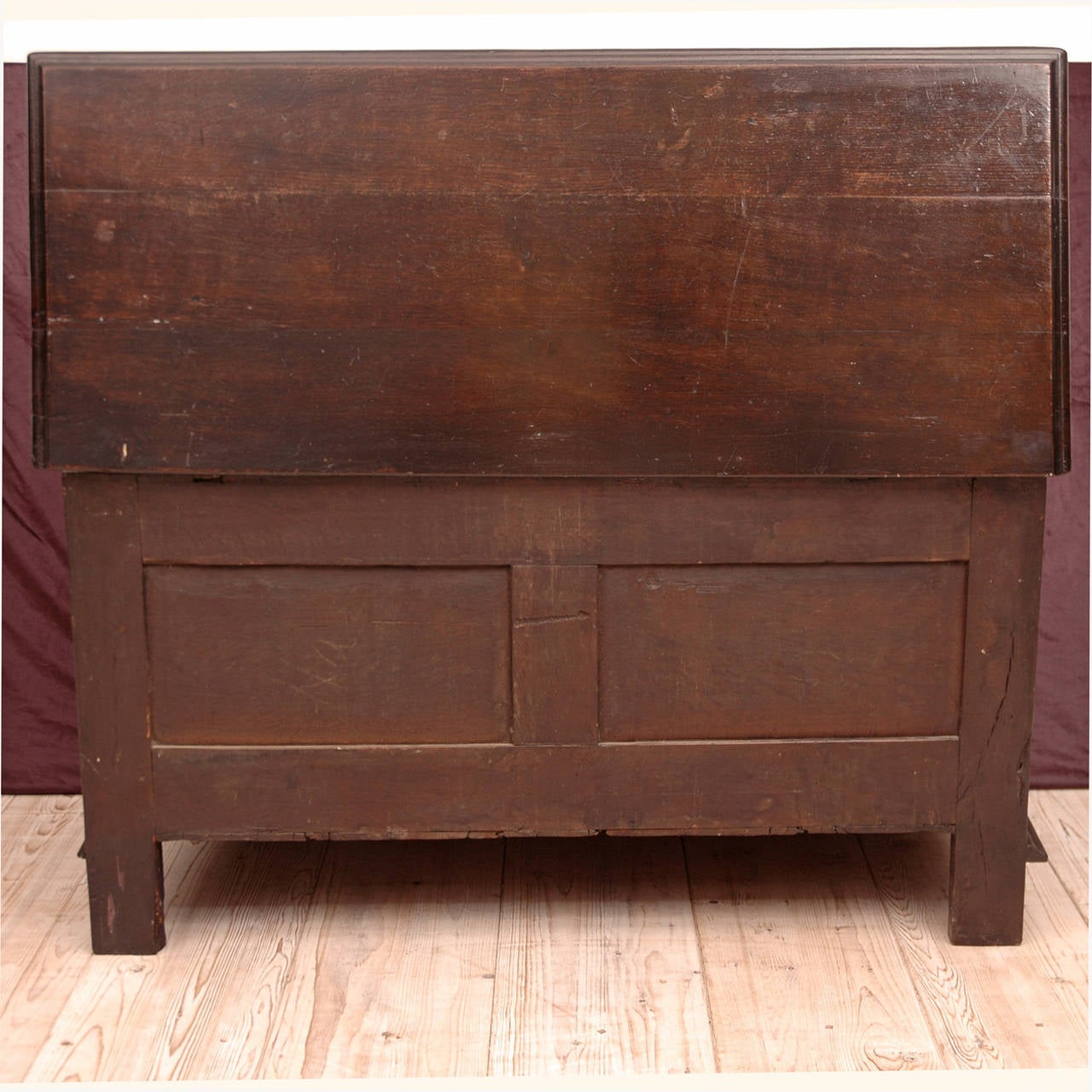 Neo-Renaissance Oak Blanket Chest For Sale 1